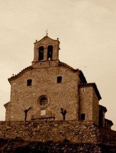 Otra vista de la ermita de Santa Ana