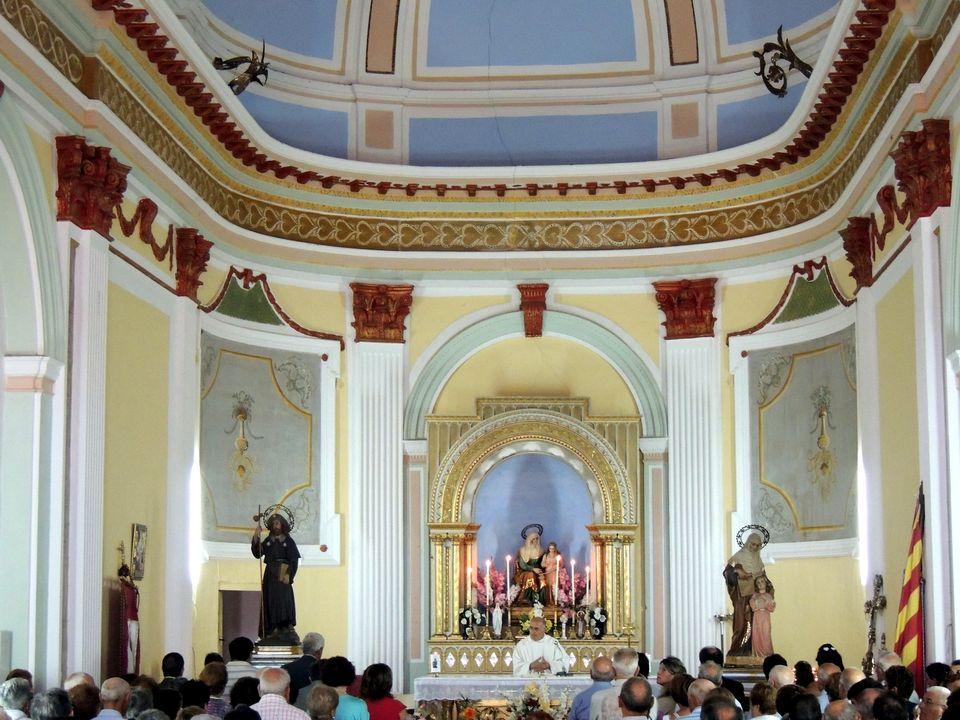 Interior ermita de Santa Ana