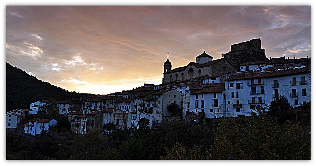 Vista de Linares de Mora, en Esencia de Pueblo